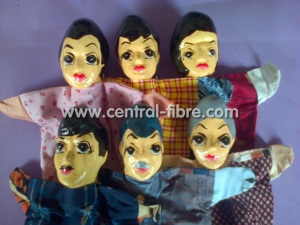 boneka keluarga